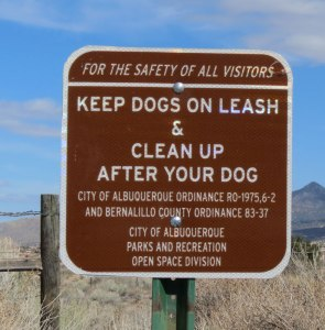 dog-lease-sign